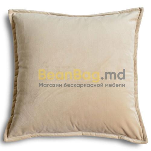 Подушка из велюра 45х45 бежевого цвета