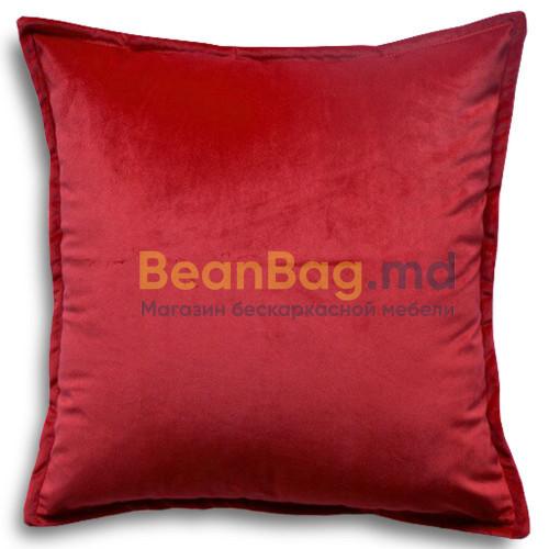 Подушка из велюра 45х45 красного цвета